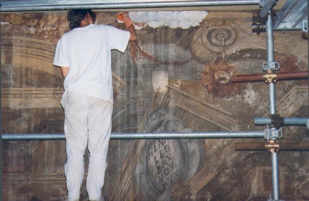 Restauro degli affreschi