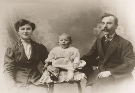 Egidio Nicora con la moglie Erminia e la primogenita Rita