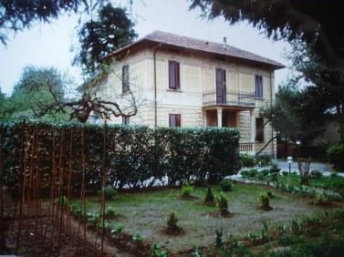 Casa Nicora in Viale Zocchi, Azzate