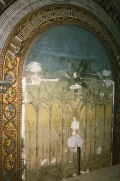 Nicchia dietro l'altare dopo il discialbo.