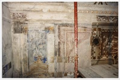Cappella della Madonna. Durante il discialbo delle decorazioni del novecento. Riaffiora l'apparato decorativo ad affresco di Isidoro Bianchi.