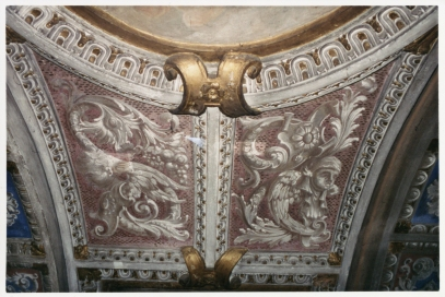 Volata della Cappella della Madonna. Prima del restauro con le decorazioni del novecento.