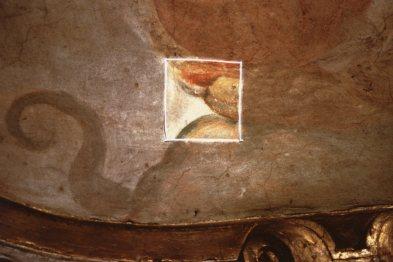 Cappella della Madonna. Saggio di prova di pulitura sugli affreschi della volta opera di Isidoro Bianchi (1646)
