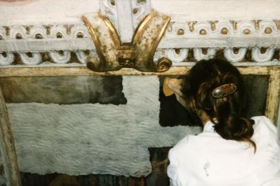 Cappella della Madonna.  Operazione di pulitura degli affreschi della volta opera di Isidoro Bianchi (1646)