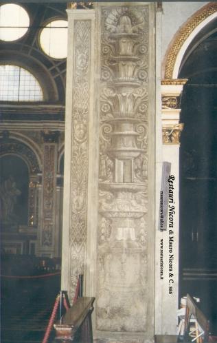 Santa Maria presso San Satiro Milano - Transetto destro - Pilastro a candelabra durante le operazioni di restauro