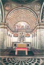 """Santa maria presso San Satiro Milano - Veduta d'insieme della """"prospettiva bramantesca"""" dopo i restauri del 1986."""