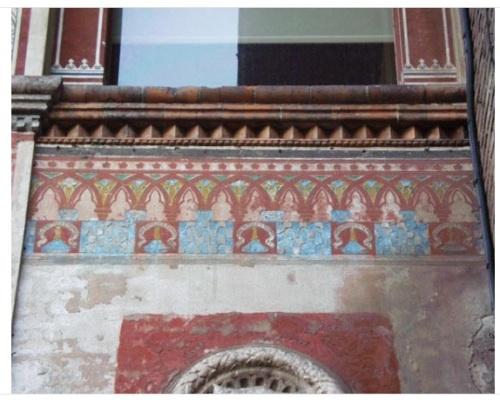 Cortile della Rocchetta, Castello Sforzesco, Milano. Voltone d'ingresso al cortile. Decorazione pittorica molto simile a quella della Sforzesca di Vigevano.