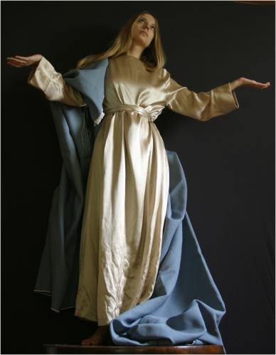 Foto digitale realizzata per la figura della Madonna. Modella Matilde Nicora.