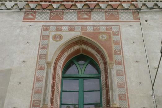 La Sforzesca di Vigevano - Restauro e rifacimento di una porzione della decorazione pittorica. Finestra primo piano dopo i lavori di restauro con i ritratti di Beatrice e Ludovico