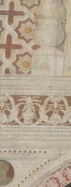 Particolare affreschi della Piazza