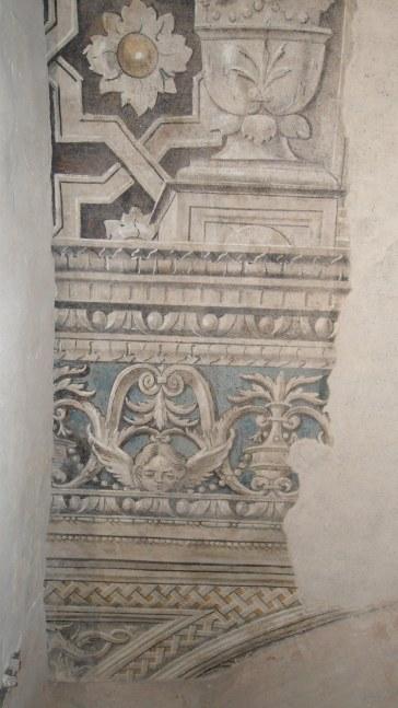 Particolare affreschi originali ritrovati all'interno